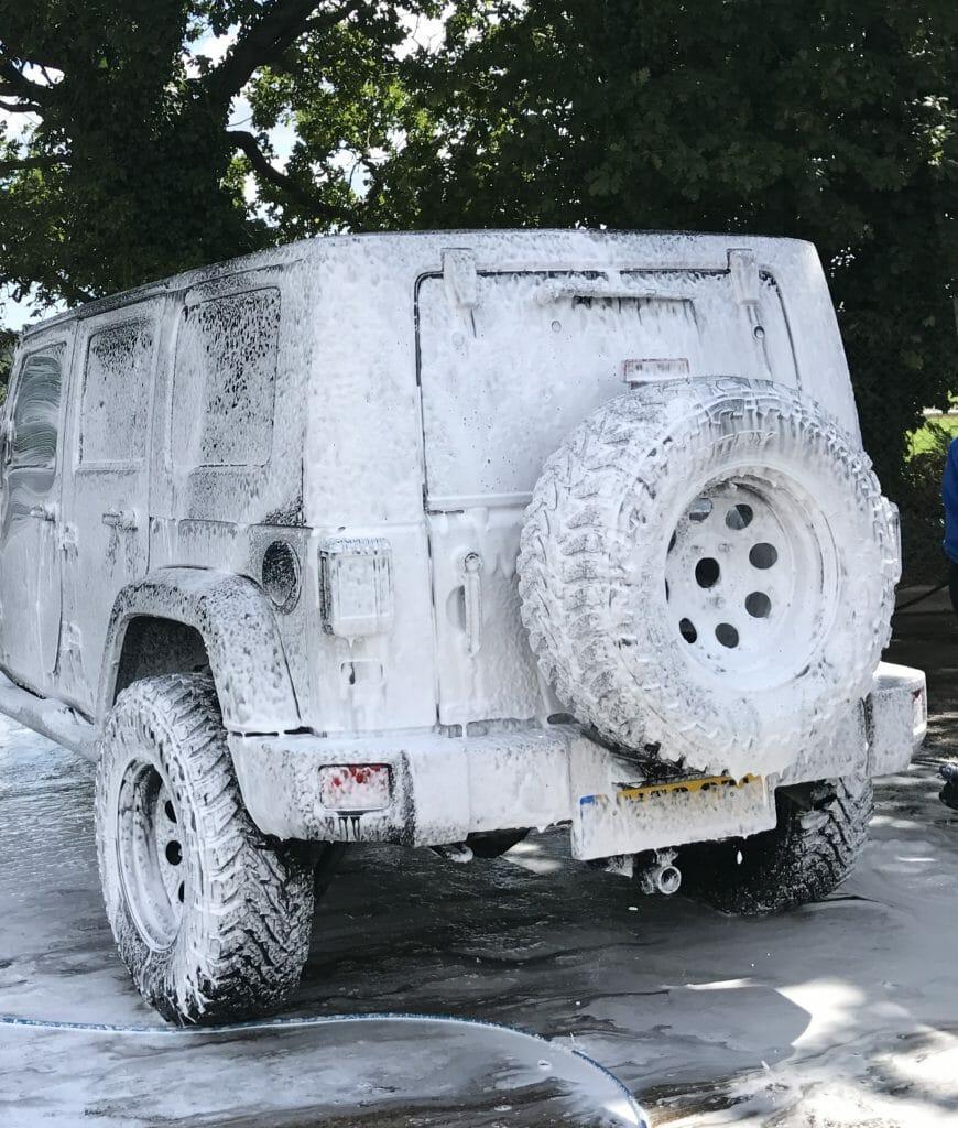 local-hand-car-wash-newton-abbot-gold