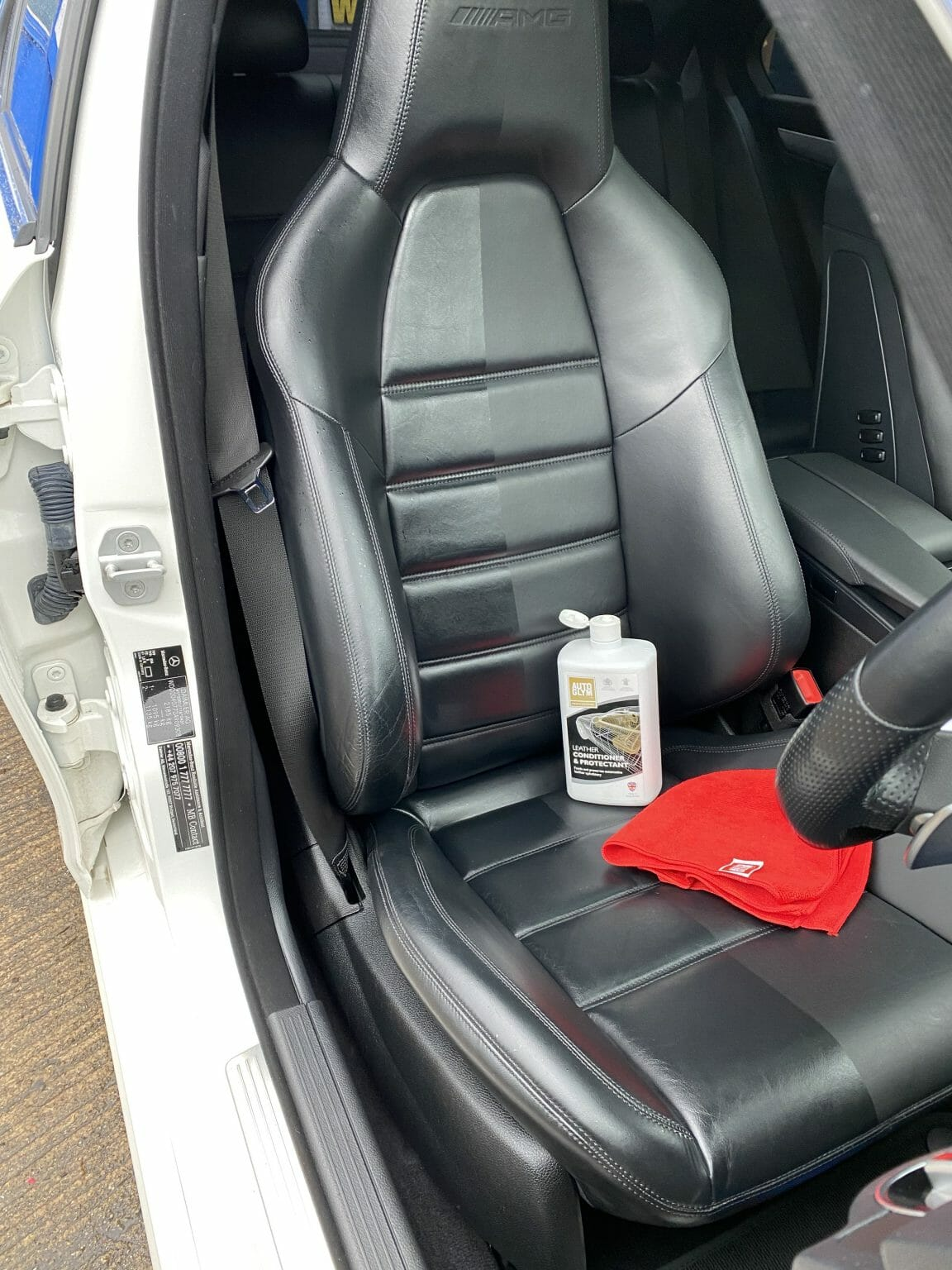 local-hand-car-valet-newton-abbot-leather-clean